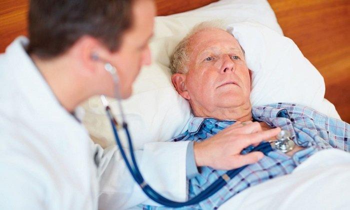 При приеме препарата может наблюдаться брадикардия, блокада проводящей системы, узловой ритм, гипотензия