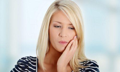 Чаще всего Лидокаин 5% назначается при зубной боли, появлении герпеса в области десен
