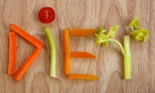В план лечения кровоточащего геморроя входит диета