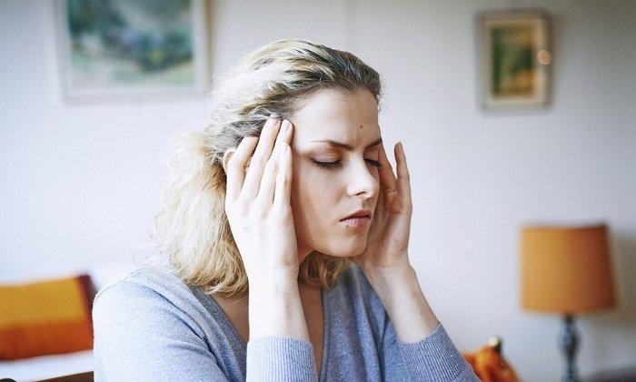 В качестве побочных реакций может наблюдаться головная боль
