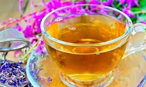 Для повышения потенции у мужчин следует принимать по 0,5 стакана настоя иван-чая 2 раза в день