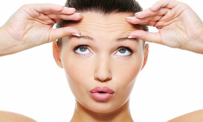 Масло эффективно против морщин, прыщей, угрей и сосудистой сеточки на лице