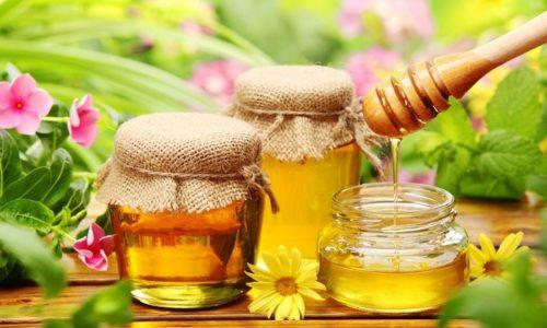 В луковый отвар можно добавлять 0,5 ч. л. меда для улучшения вкуса средства