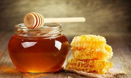 Наибольшую пользу здоровью принесет натуральный мед, который не был подвергнут обработке