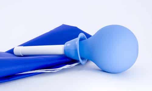 Можно использовать резиновую грушу, как самодельное средство для массажа простаты