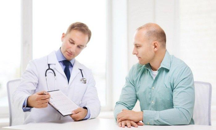Хроническое течение заболевания требует наблюдения у лечащего врача и применения препарата на длительной основе