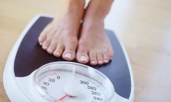 В качестве побочного явления может начать снижаться масса тела
