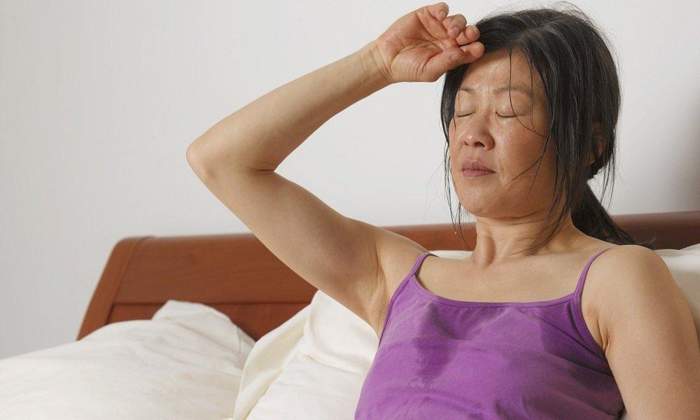При приеме Актовегина могут наблюдаться повышенное потоотделение, приливы жара, повышенная температура тела