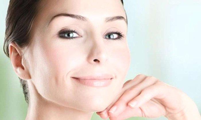 В сфере косметологии Троксевазин используется в качестве средства от синяков под глазами