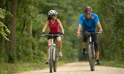 Большую пользу могут принести физические упражнения, способствующие улучшению кровообращения в органах малого таза