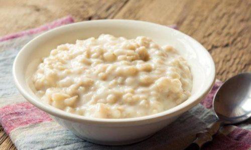 На завтрак можно съесть молочную овсяную кашу