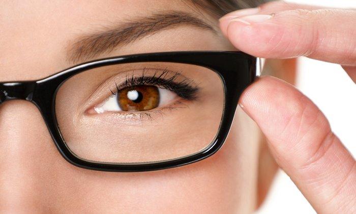 Длительное применение ретиноевой мази может вызвать ухудшение зрения