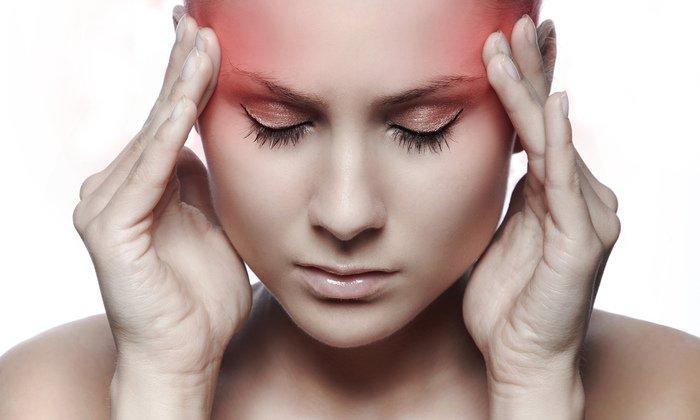 Головная боль считается побочным эффектом от применения ретиноевой мази