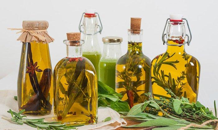 Для смягчения кожи можно использовать перечное масло