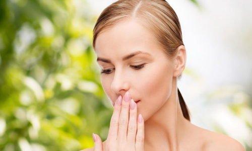 При приеме больших доз возможно возникновение сухости в полости рта