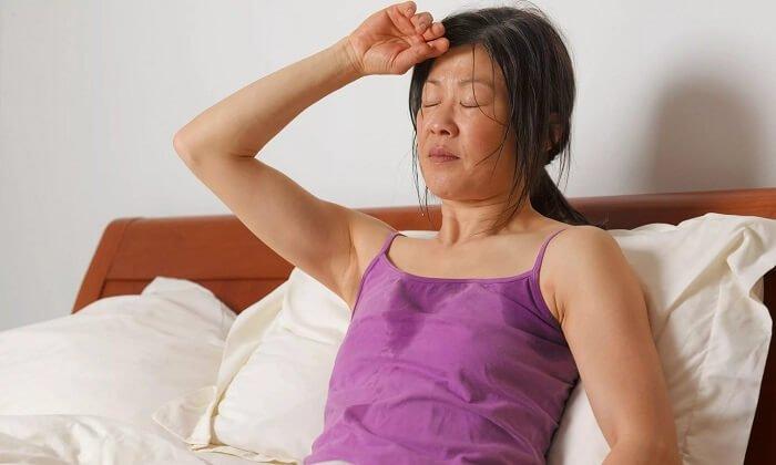 В период приема лекарства возможно возникновение повышенного потоотделения
