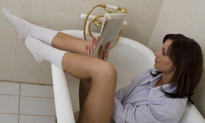 В комплексном лечении геморроя NaCl используют и для местного воздействия на пораженную область и ректального введения. Наиболее эффективны сидячие ванночки