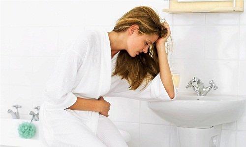 В качестве побочного эффекта от применения лекарственного средства может возникнуть тошнота и рвота