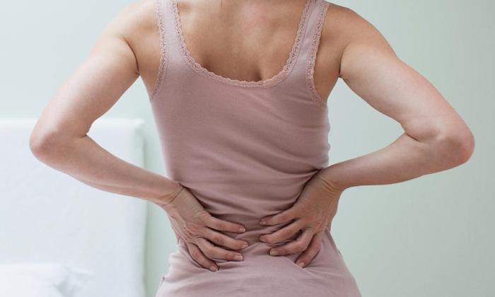 Тромбоз сопровождается отдающими в поясничную зону болями