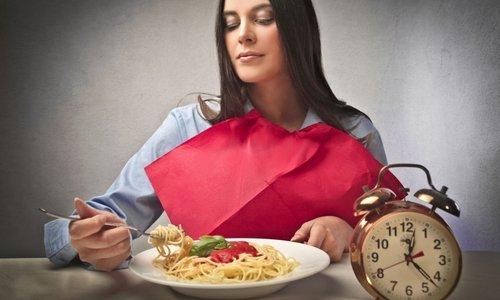 Таблетки Аксамон принимают через 30 минут после еды