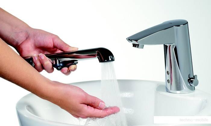 Перед введением лекарства необходимо вымыть область заднего прохода без использования мыла