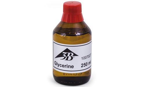Глицерин широко используется в косметологии благодаря свойству увлажнять кожу