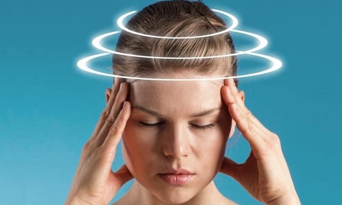 При передозировке лекарственного средства может появиться головокружение