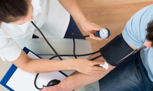 При передозировке лекарственным средством может произойти резкое падение АД
