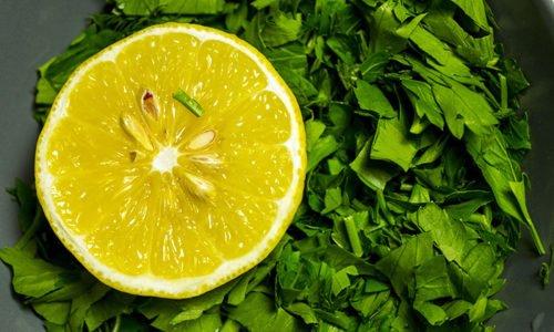 Плод лимона улучшает состояние сосудов и капиллярное кровообращение, восполняют дефицит витаминов и микроэлементов, поддерживают иммунную систему
