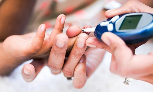 С осторожностью медикаменты, в которых содержится Фенилэфрина гидрохлорид, назначаются больным с сахарным диабетом