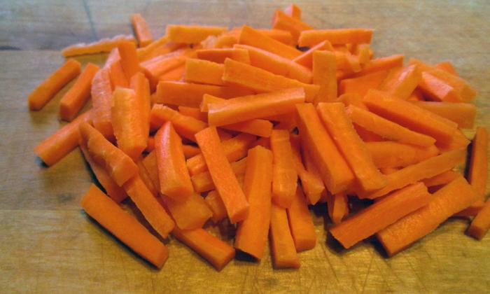 Морковные суппозитории отличаются антибактериальными и ранозаживляющими свойствами