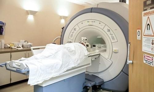 Для исключения опухоли в простате может быть проведена процедура МРТ