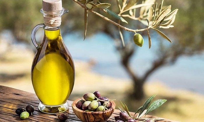 Оливковое масло можно использовать вместо вазелинового