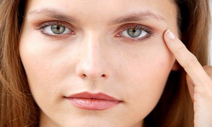 В косметологии чаще используют для устранения отека вокруг глаз и морщин