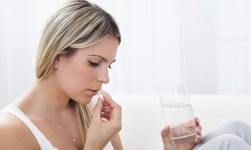 Лечение при беременности предусматривает употребление препарата в минимальной дозировке (не более 1 таблетки в сутки)