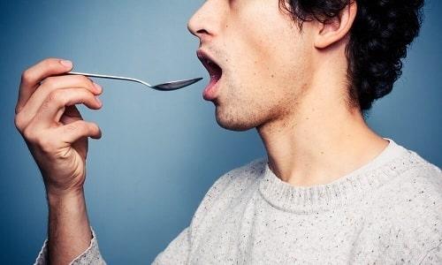 Отвар из календулы и аира принимают 3 раза в день по 1 ч.л. за полчаса до еды