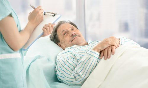 Болезнь Крона в острой фазе лечат исключительно в условиях стационара, где пациент должен придерживаться постельного режима