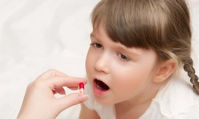 Дозировка для детей после 3 лет составляет 1 драже в день
