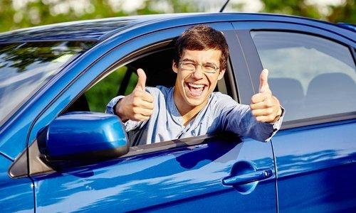 При приеме средства в рекомендованных врачом дозах негативного воздействия на способность управлять автомобилем не наблюдалось