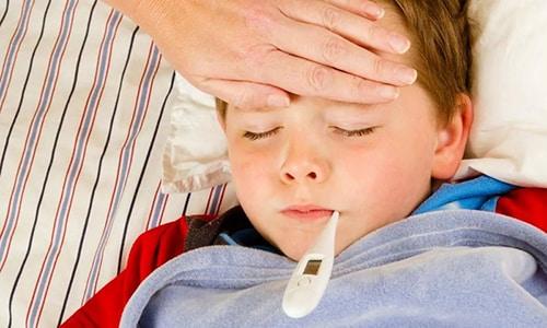 Воспалительный процесс в мочеполовой системе проявляется в виде повышения температуры тела