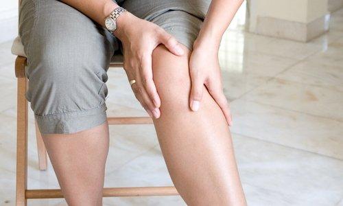 При варикозном расширении вен, геморрое и тромбофлебите средство рекомендуется наносить на больные участки кожи 2-3 раза в сутки