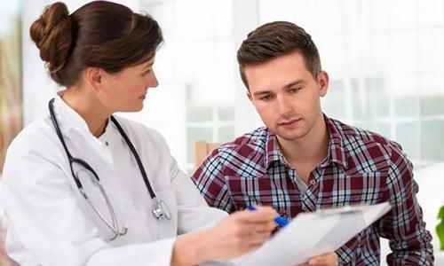 По уровню ПСА врач делает прогнозы относительно скорости развития заболевания и определяет необходимость той или иной терапии