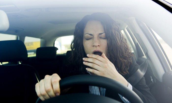 Оказывает влияние на управление транспортным средством, поэтому в процессе терапии следует отказаться от вождения автомобиля