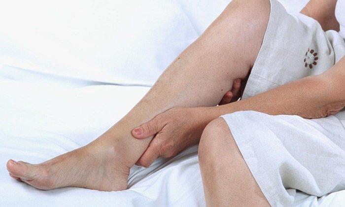 Препарат показан при чувстве тяжести в ногах.