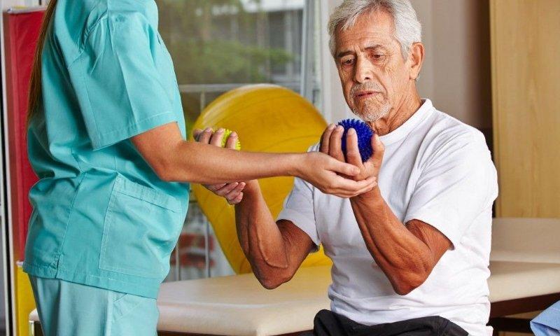 Показания к применению Цераксона, период после ишемического инсульта