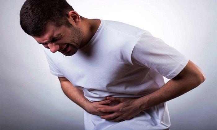 Беспричинные боли в животе - одно из противопоказаний к применению препарата