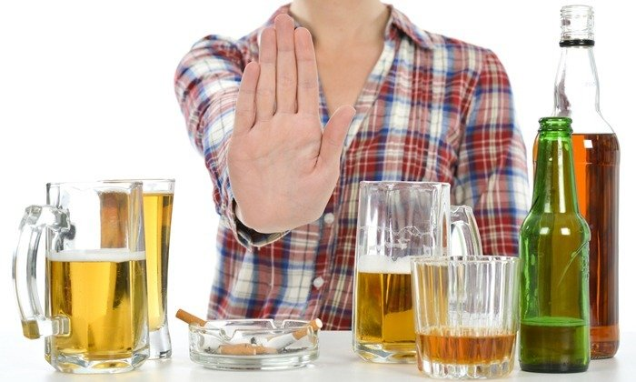 На время лечения требуется исключить алкоголь