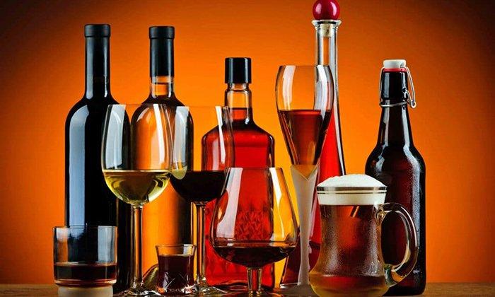 У препарата плохая совместимость с алкоголем, поэтому в период лечения лучше отказаться от употребления спиртосодержащих напитков