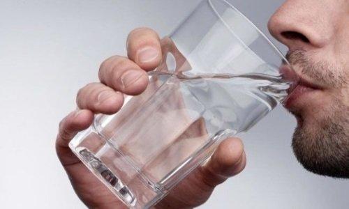 При передозировки препарата, необходимо выпить много воды и промыть желудок
