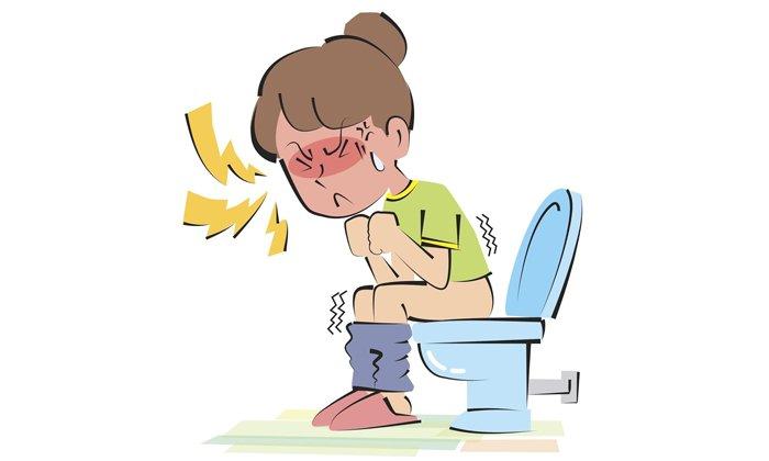 Клизма помогает при сбоях в работе кишечника и при запорах